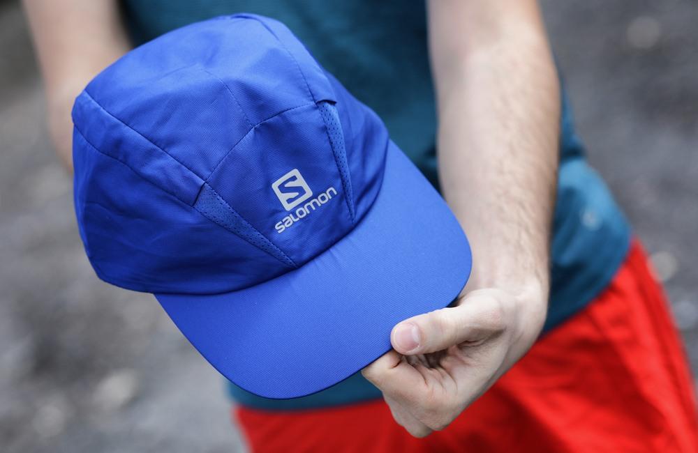 czapka z daszkiem dla biegaczy - ochrona przed słońcem i wiatrem