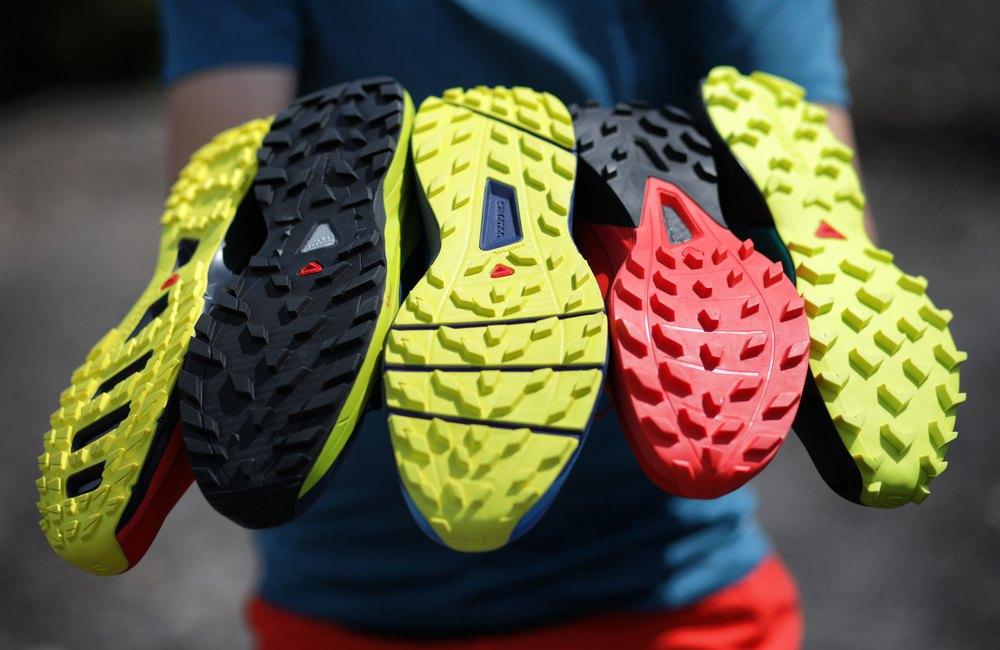 bieżnik w butach do biegania w terenie