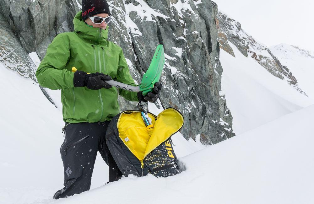 plecak lawinowy powinien pomieścić niezbędny sprzęt