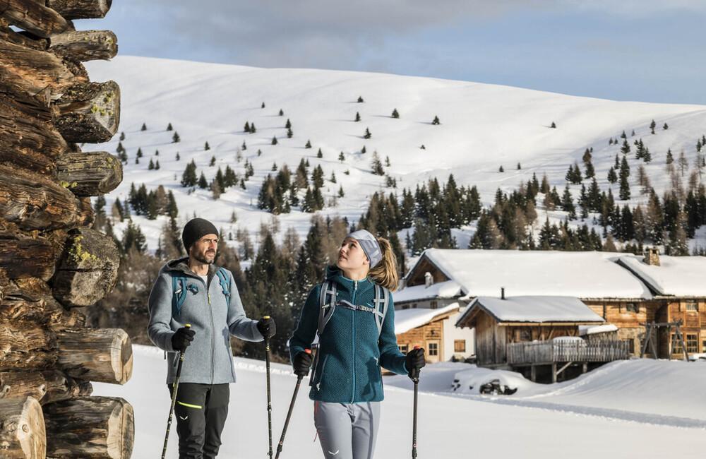 co zabrać zimą na trekking