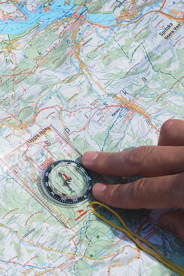 Jak korzystać z kompasu i mapy