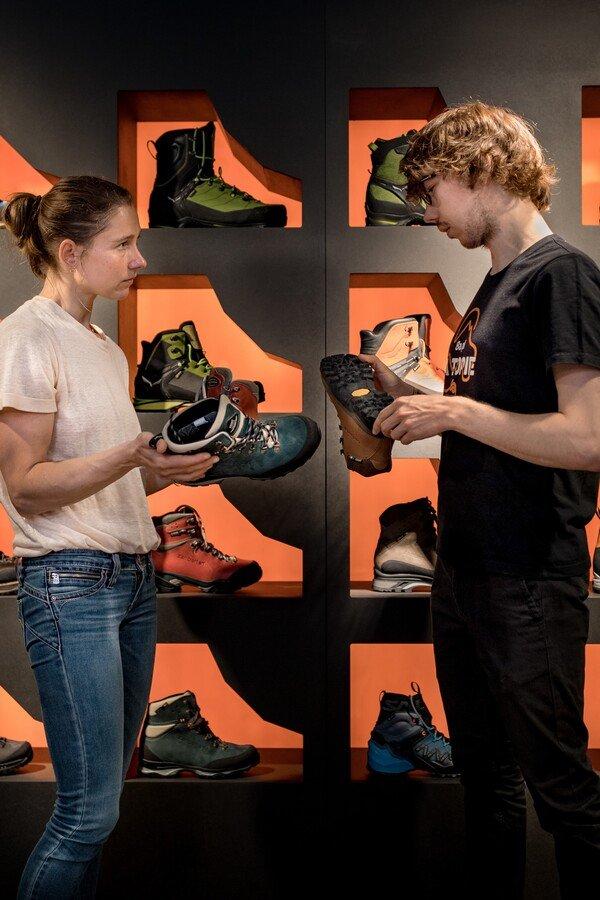 Jak dopasować buty trekkingowe