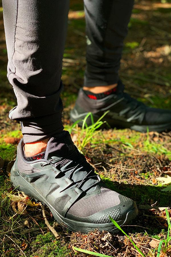 Gruba podeszwa butów Salomon gwarantuje dobrą amortyzację