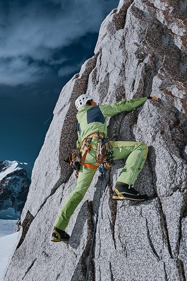 Kurtka GORE-TEX PRO Stretch w trakcie wspinaczki