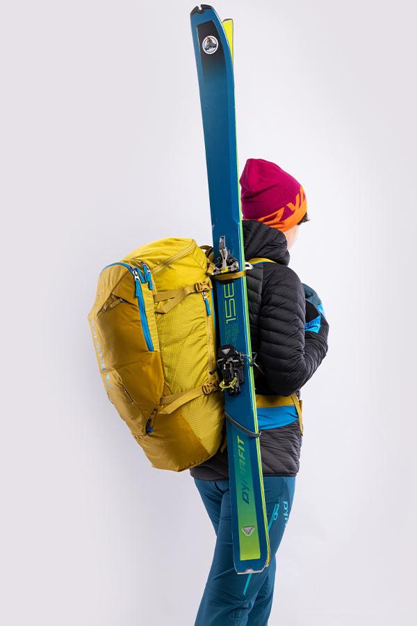mocowanie spiętych nart