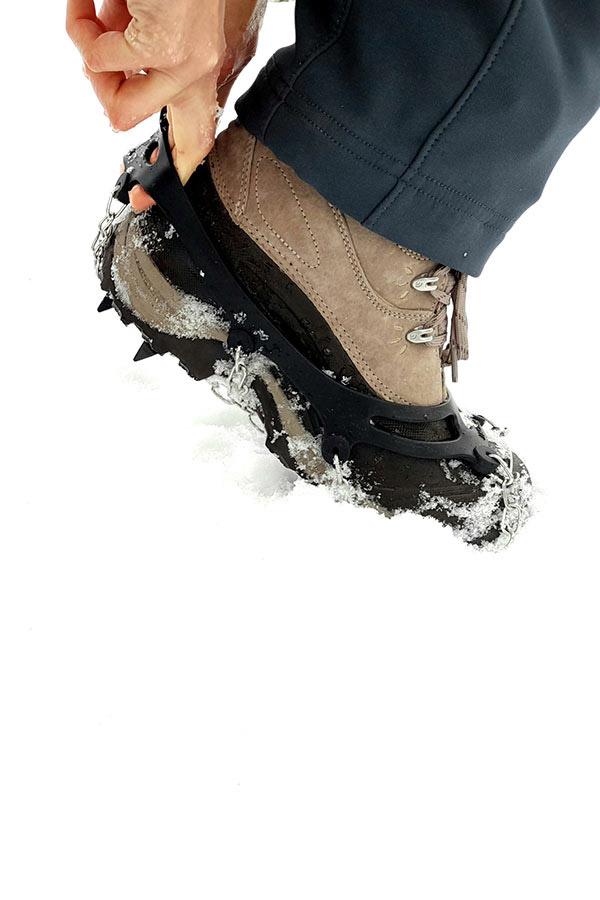 raczki na butach trekkingowych
