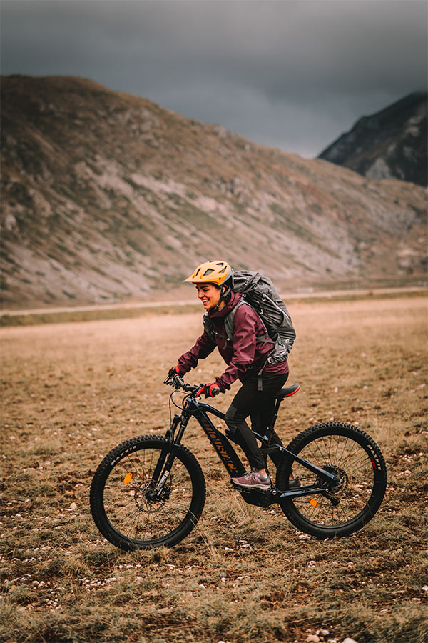 z myślą o kobietach - odzież rowerowa Salomon