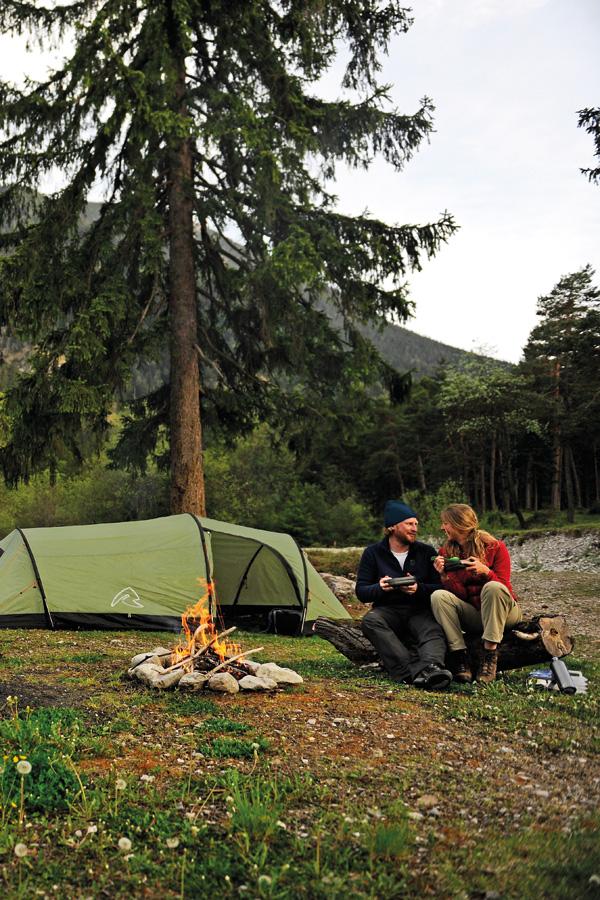 Jak dobrze rozłożyć namiot?