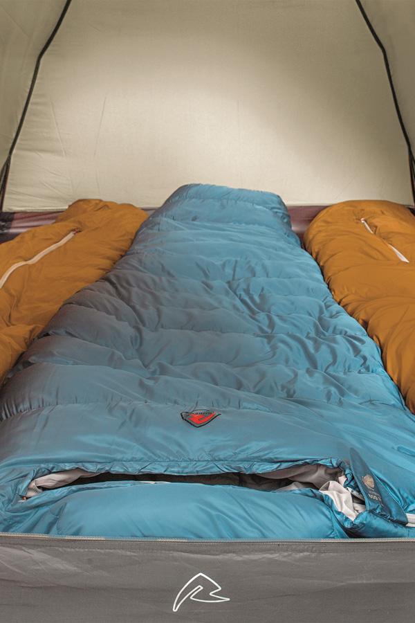 Dobrze rozłożony namiot trzyosobowy
