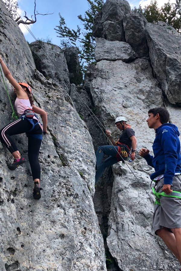 nauka wspinaczki w skałach